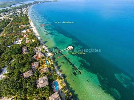 4D  Itz Ana Lagoon - Photo 3