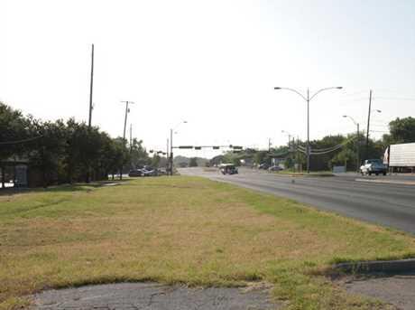 3303  Southern Oaks Boulevard - Photo 9