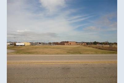 416 S US Highway 69 - Photo 1