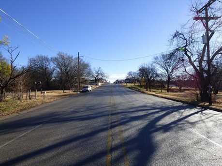 707  Halsell Street - Photo 5