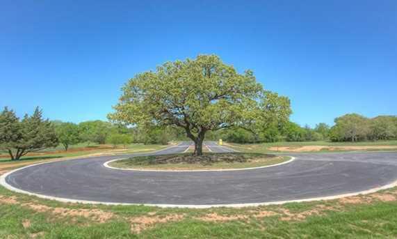 4017  Highland Oaks Lane - Photo 3