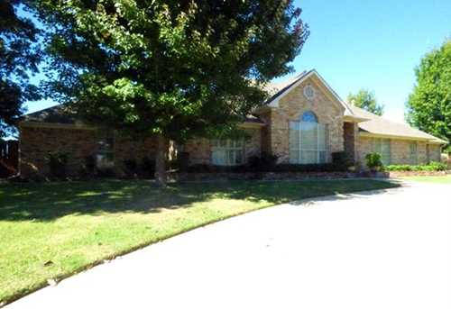 301  Greenhill Park Ave. - Photo 1