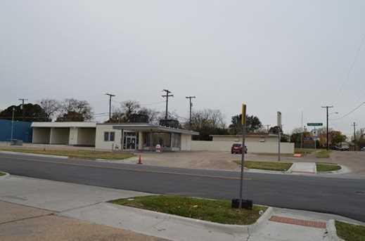 2003 S Edgefield Avenue - Photo 1
