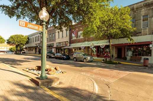 215 E Louisiana Street - Photo 13
