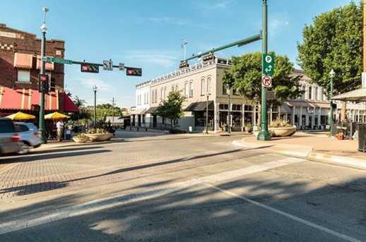 215 E Louisiana Street - Photo 15