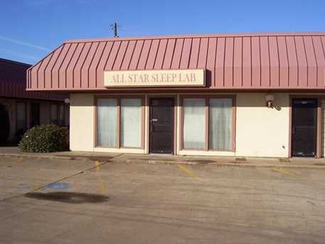 455 S Hillcrest Drive - Photo 1
