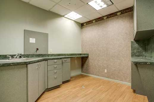 2910  Broadway Boulevard  #201 - Photo 17