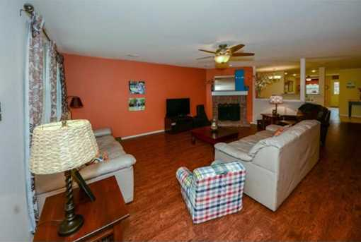 10622  Midway Drive - Photo 5