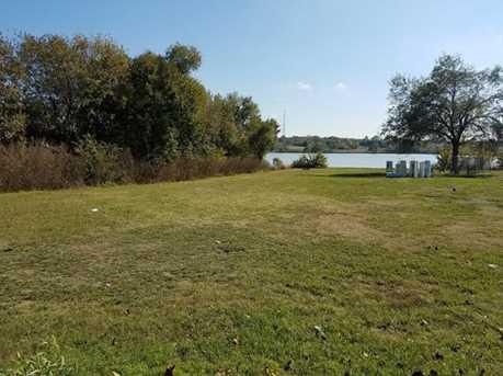 277  Lakeside Drive - Photo 2