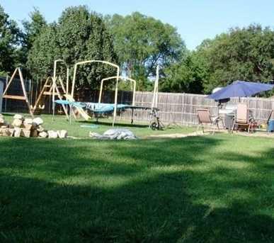 335  Oakwood Circle - Photo 12
