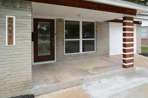 9021  Boundbrook Avenue - Photo 2