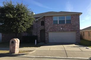 9416  Goldenview Drive - Photo 1