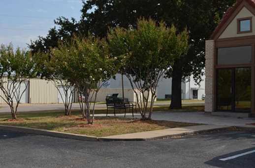111  Taylor Plaza Drive - Photo 3
