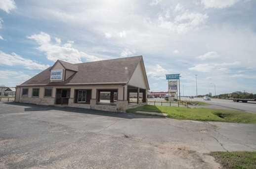 1803 E US Highway 377 - Photo 25