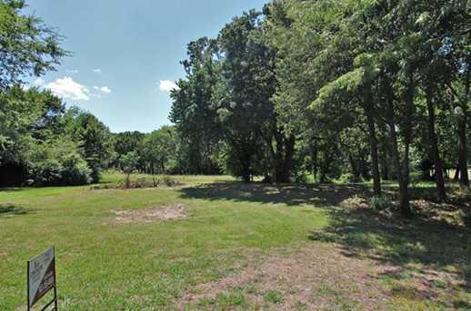 000 Oak Leaf Trail - Photo 1