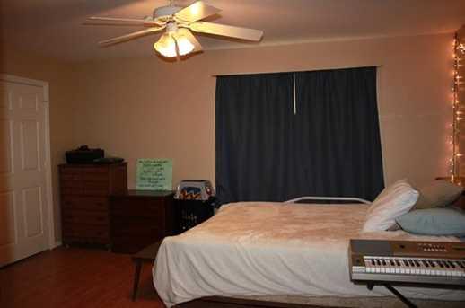 401 W 5th C &amp D - Photo 3