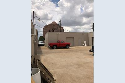 1608  Industrial Ct - Photo 1