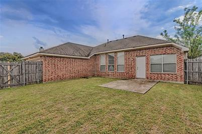 626 Mary Wilson Drive, Lancaster, TX 75154