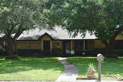 1005 Hilandale Court, Cleburne, TX 76033
