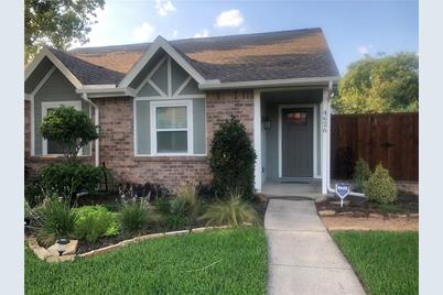 4626 Carr Street, The Colony, TX 75056