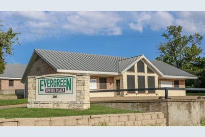 200 E Evergreen - Photo 1