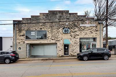 428 W Davis Street  #3 - Photo 1