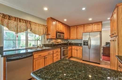 1551 Greenpoint Dr - Photo 9