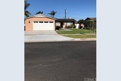 14526 Stanton Avenue, La Mirada, CA 90638