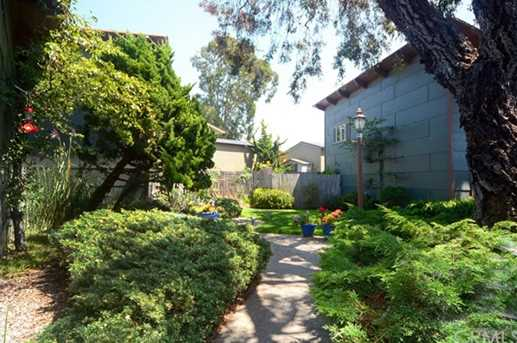 481 Hillview Street - Photo 3