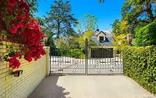 17450 Rancho Street - Photo 3