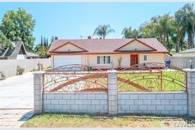 15444 Los Robles Avenue - Photo 1