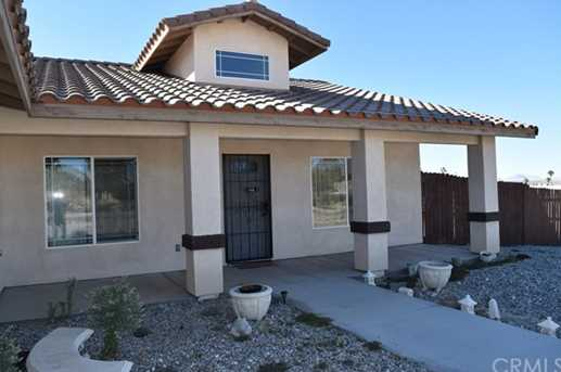 5788 adobe circle 29 palms mcb ca 92277 mls jt17242764 for Adobe home builders california