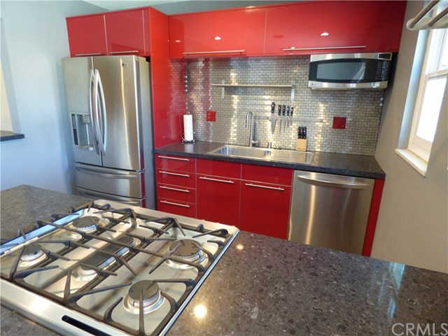 19312 brookhurst street huntington beach ca 92646 mls for Kitchen cabinets 2nd ave brooklyn