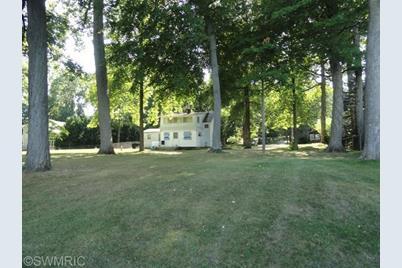 10530 Wildwood Circle - Photo 1