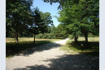 4344 N Evergreen Drive - Photo 1