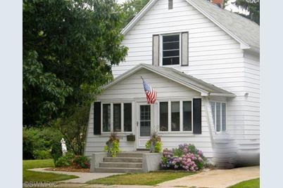 1326 Franklin Street - Photo 1
