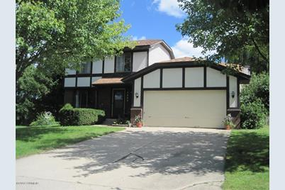 5660 Discovery Drive - Photo 1