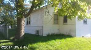 172 Graves Ave - Photo 1
