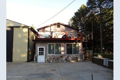 10459 S. Garfield Ave. - Photo 1