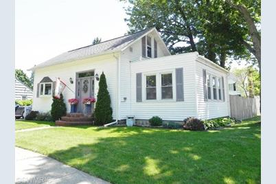 601 Cottage Street - Photo 1