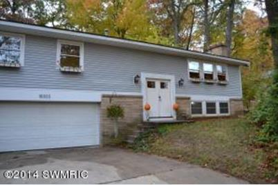 18303 Forest Avenue - Photo 1