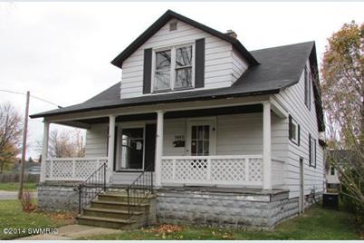 1045 W Forest Avenue - Photo 1