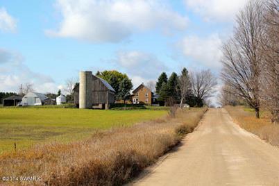 1630 E 14 Road - Photo 1