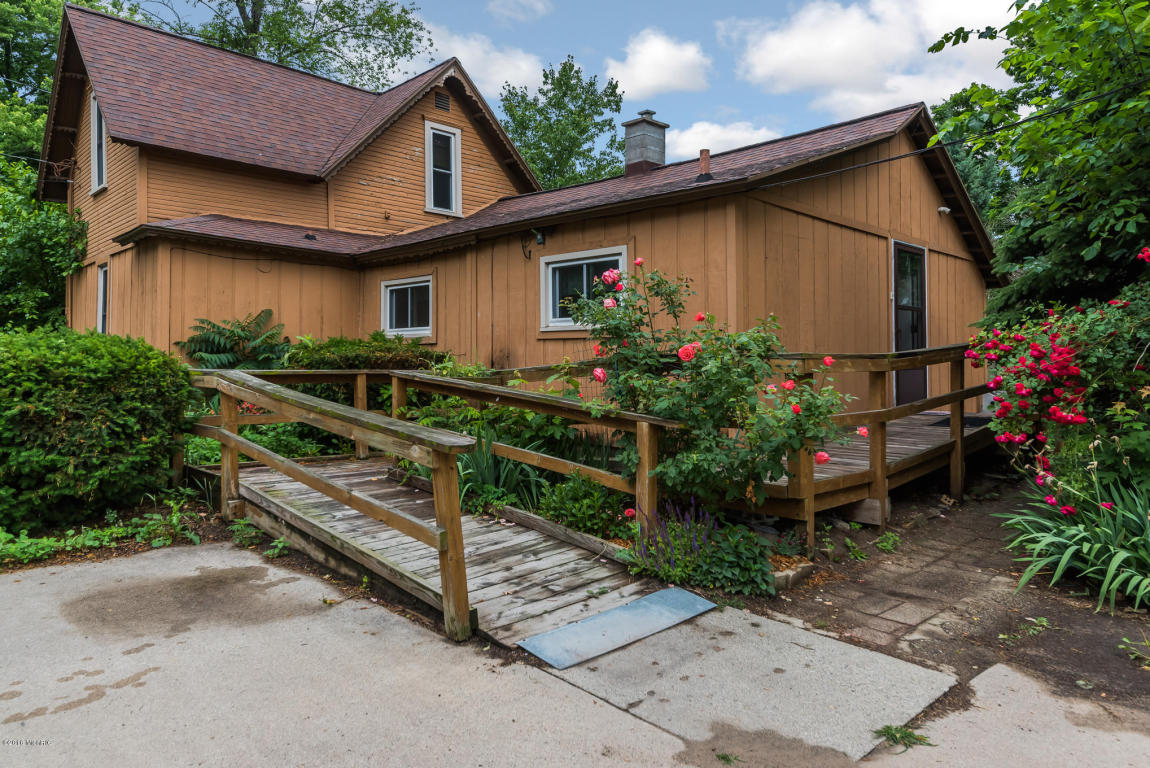 547 Grove Ave Holland Mi 49423 Mls 16030864 Coldwell Banker