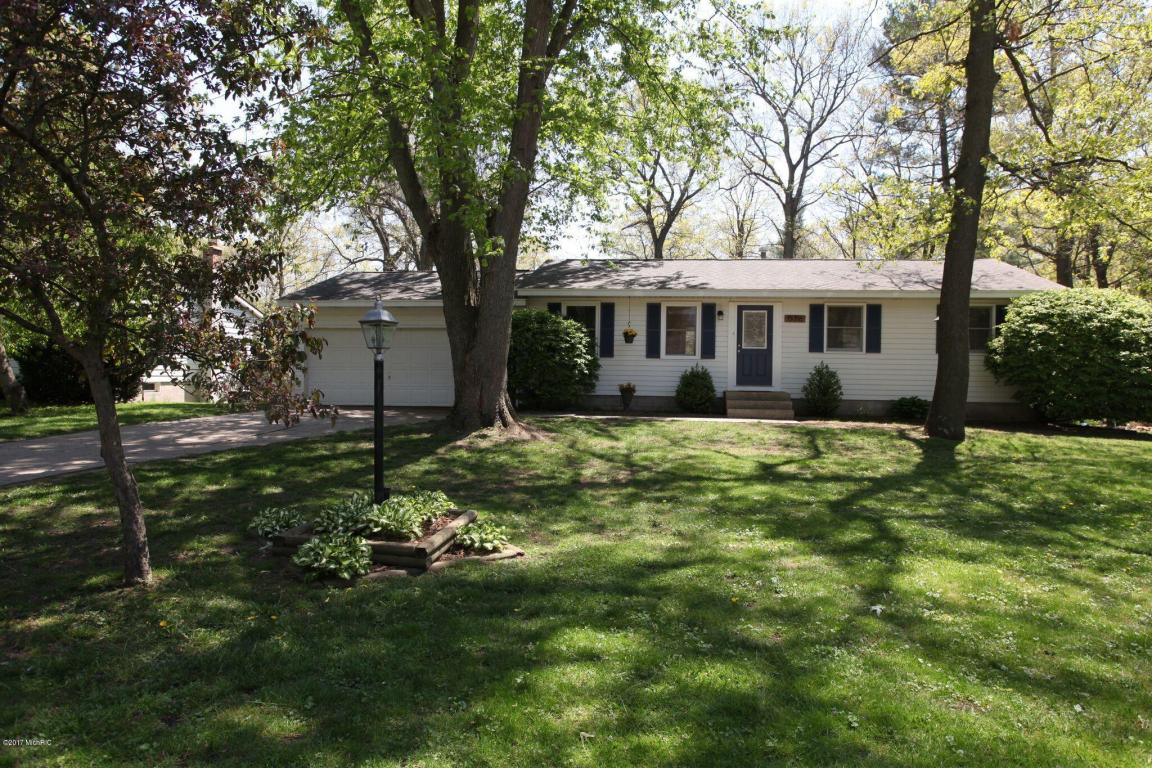 15716 Charles Court, Grand Haven, MI 49417 - MLS 17022901 - Coldwell ...