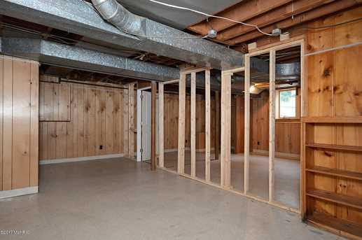 612 alger street grand rapids mi 49507 mls 17032835 coldwell banker. Black Bedroom Furniture Sets. Home Design Ideas