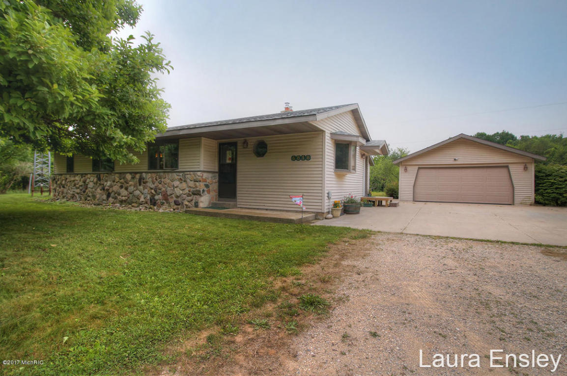 6818 e 128th street sand lake mi 49343 mls 17037795 for Sand lake private residences for rent