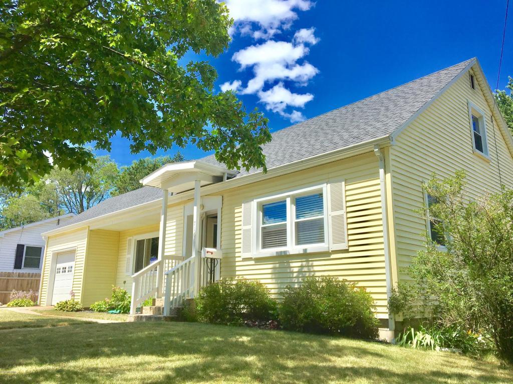 716 w oak street greenville mi 48838 mls 17038007 for 3 4 houses in michigan