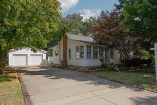 426 W Burr Oak Street - Photo 1