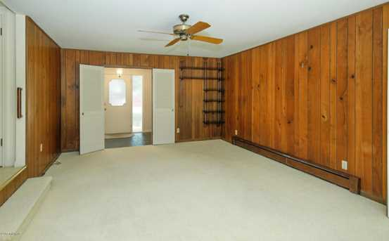 2324 N Hickory Point Drive - Photo 9